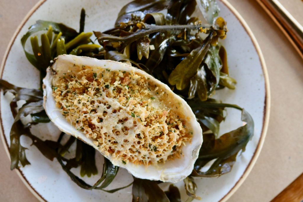 luxury seafood Bucket Restaurant