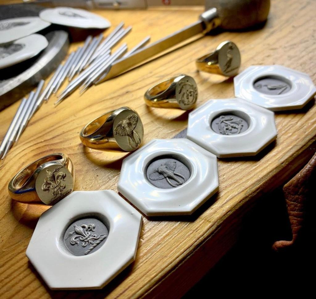 Signets & Seals