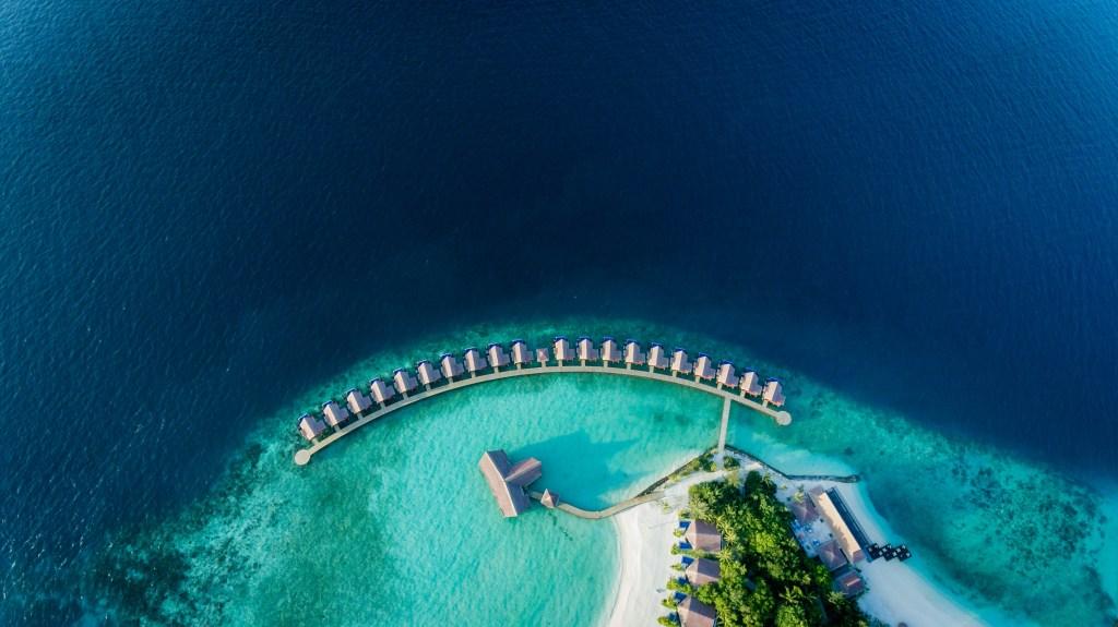 islands north of Malé, Kodhipparu - Luxuriate Life Magazine by Mark Captain