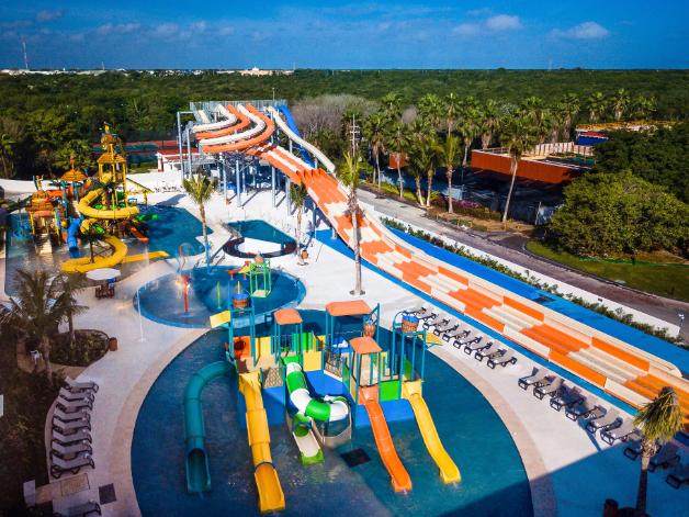 Hard Rock Hotel, Riviera Maya luxury beach and pool activities - Luxuriate Life Magazine by Mark Captain