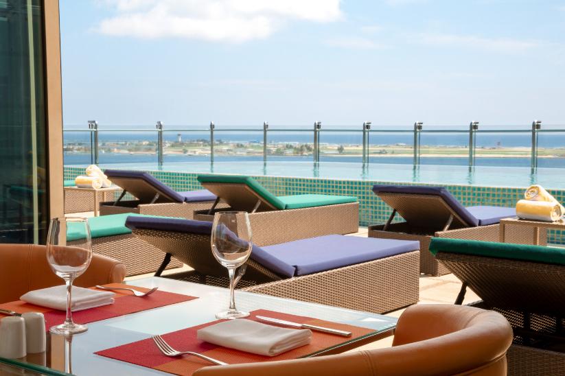 Luxury Maldivian Rooftop Shangri-La - Luxuriate Life Magazine