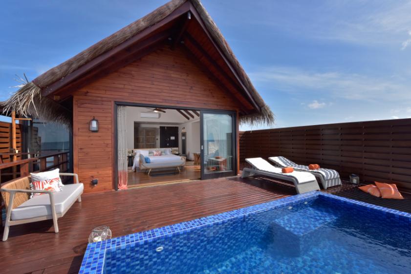 Grand Park Kodhipparu Luxury Villa Pool - Luxuriate Life Magazine by Mark Captain