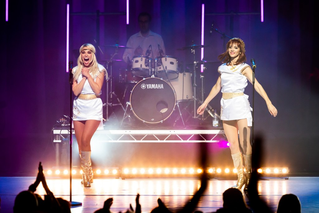 Preview: ABBA MANIA at The Shaftesbury Theatre - Luxuriate Life Magazine