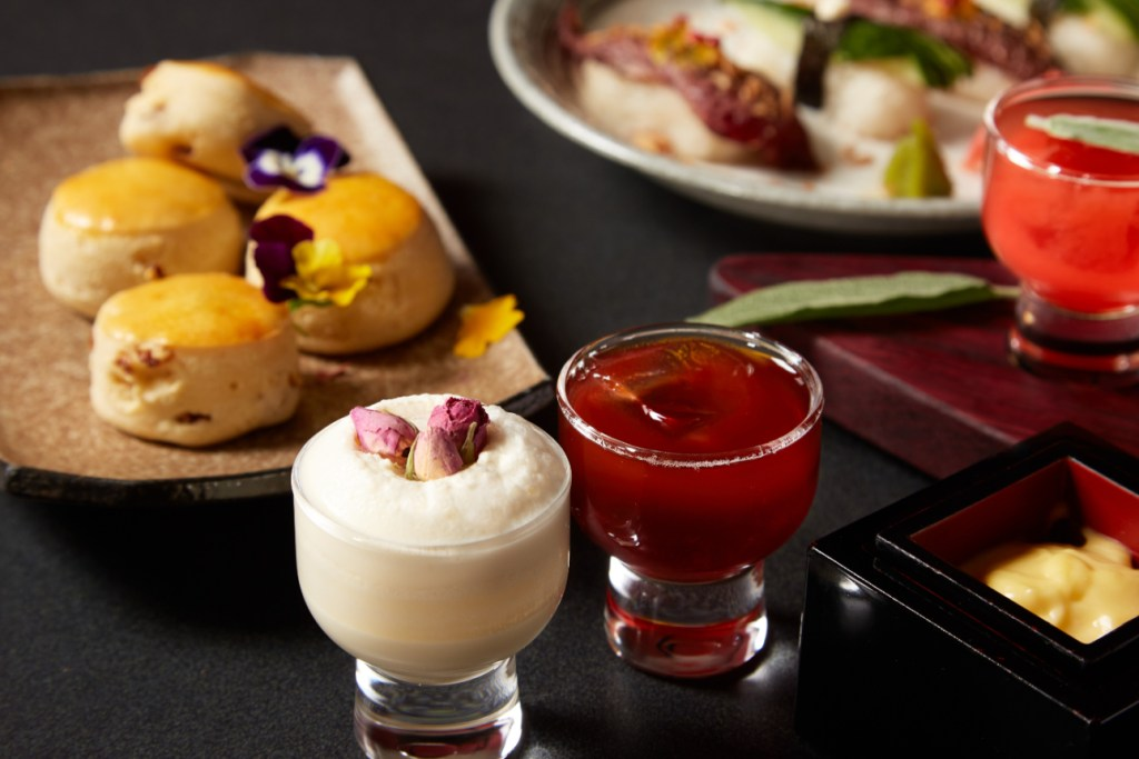 Luxuruy Liquid Afternoon Tea at GONG - Luxuriate Life Magazin by Mark Captain