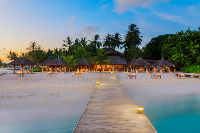 Luxury Beach Maldives - Luxuriate Life Magazine, a UK Luxury Magazine