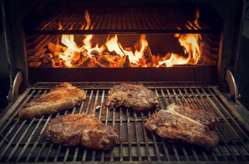 Luxury Food Steak Dinner - Luxuriate Life Magazine, Luxury UK Magazine 2021